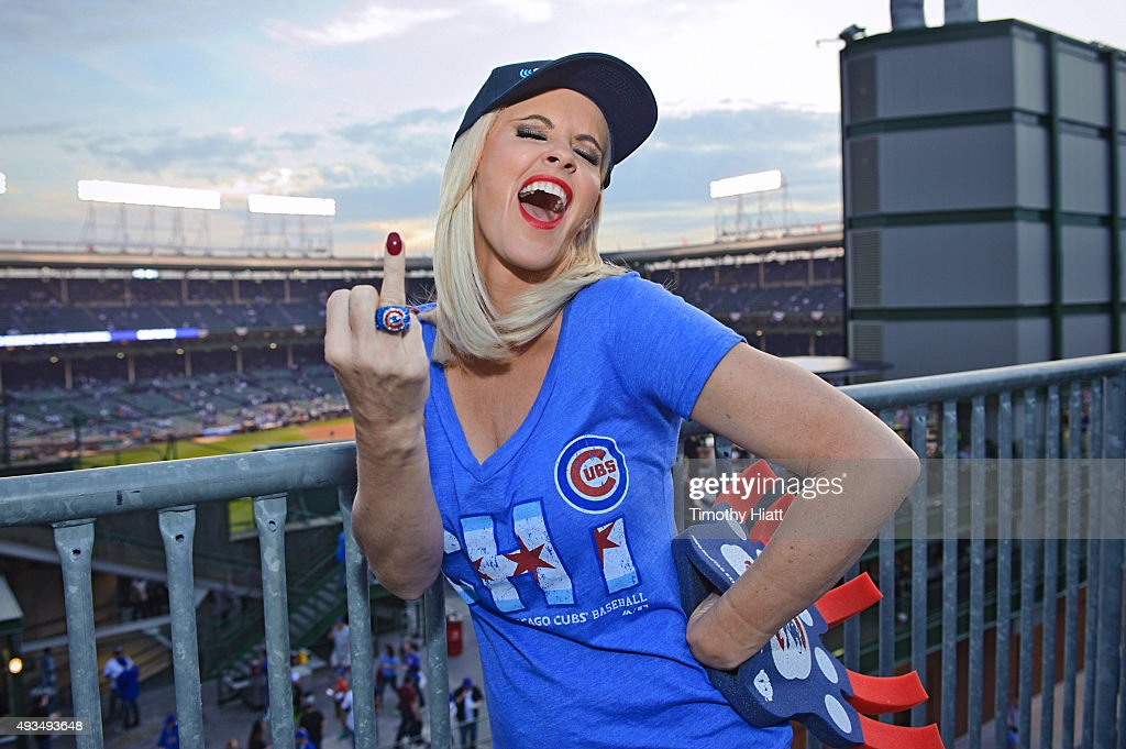 Jenny McCarthy Hosts Her SiriusXM Show Live From Beyond The Ivy In Chicago Before Cubs-Mets, Game 3 Of The NLCS