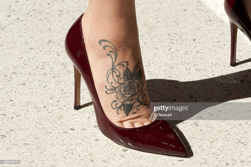 Jenny mccarthy visits extra getty images for Square city tattoo