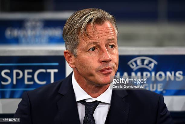 Jens Keller the manager of FC Schalke 04 looks on before the UEFA Champions League group G match between FC Schalke 04 and NK Maribor at Veltins...