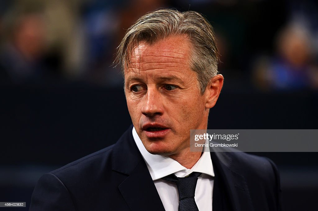 <a gi-track='captionPersonalityLinkClicked' href=/galleries/search?phrase=Jens+Keller&family=editorial&specificpeople=2382918 ng-click='$event.stopPropagation()'>Jens Keller</a> the manager of FC Schalke 04 looks on before the UEFA Champions League group G match between FC Schalke 04 and NK Maribor at Veltins Arena on September 30, 2014 in Gelsenkirchen, Germany.