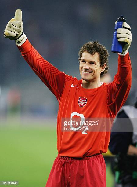 Jens Lehmann of Arsenal celebrates on the final whistle after the UEFA Champions League Quarter Final Second Leg match between Juventus and Arsenal...