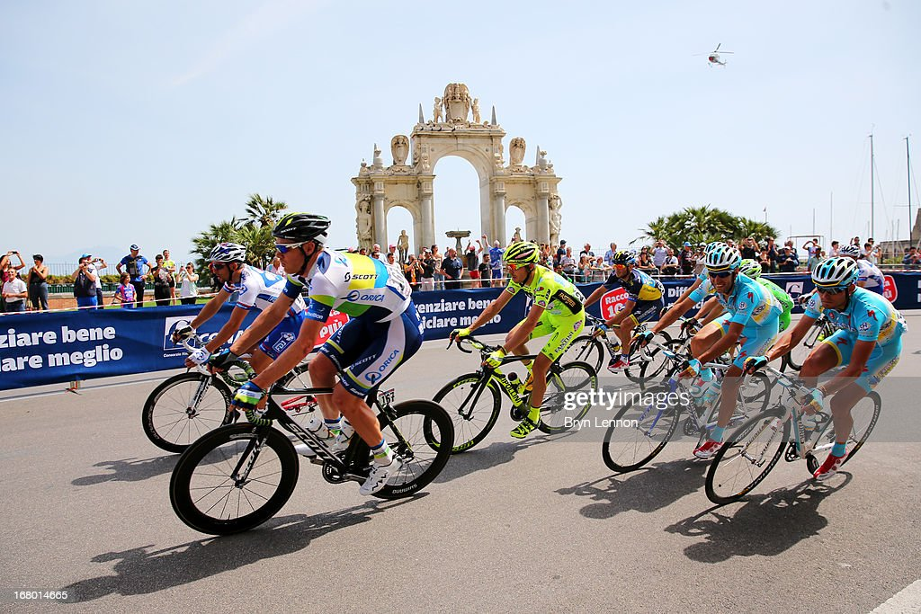 Jens Mouris (2nd L) of Netherlands and Orica GreenEdge rides ahead of Vincenzo Nibali (2nd R) of Italy and Astana Pro Team and team-mate Valerio Agnoli during stage one of the 2013 Giro d'Italia on May 4, 2013 in Naples, Italy.