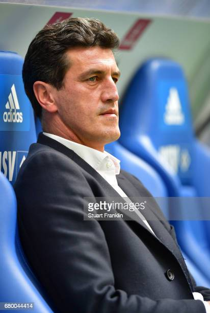 Jens Todt sports director of Hamburg looks on during the Bundesliga match between Hamburger SV and 1 FSV Mainz 05 at Volksparkstadion on May 7 2017...