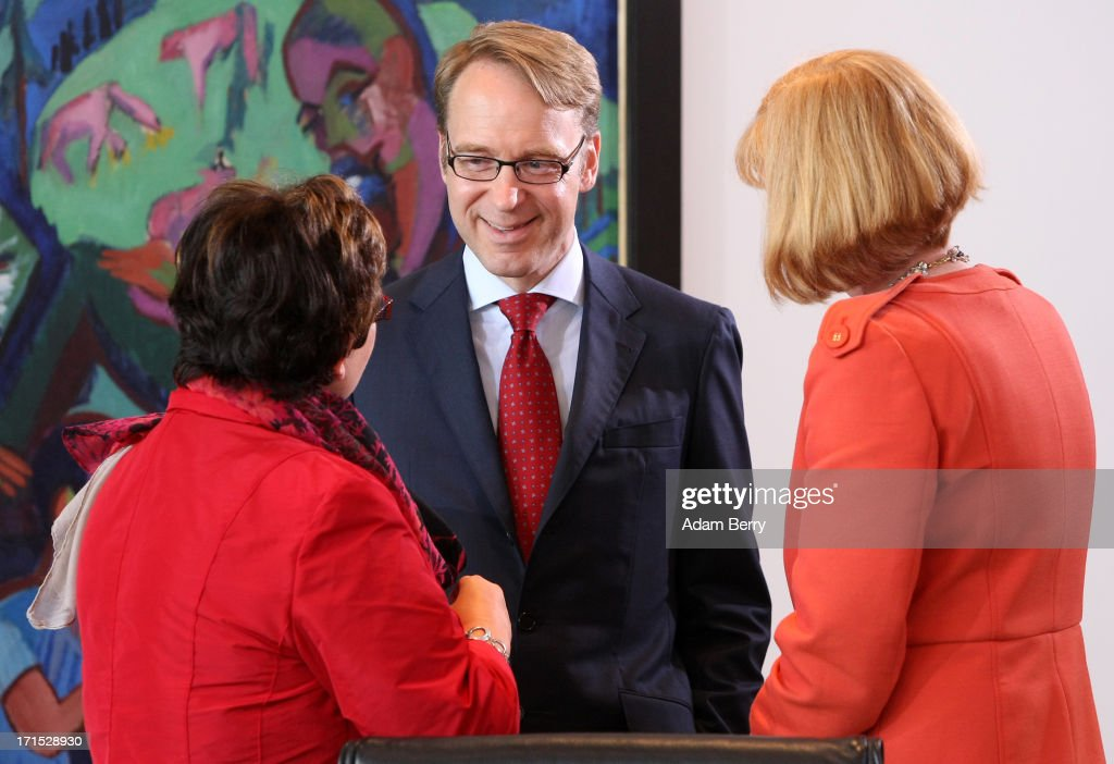 <a gi-track='captionPersonalityLinkClicked' href=/galleries/search?phrase=Jens+Weidmann&family=editorial&specificpeople=6917233 ng-click='$event.stopPropagation()'>Jens Weidmann</a>, president of the Deutsche Bundesbank (C), arrives for the weekly German federal Cabinet meeting on June 26, 2013 in Berlin, Germany. High on the morning's agenda was discussion of the country's 2014 federal budget.