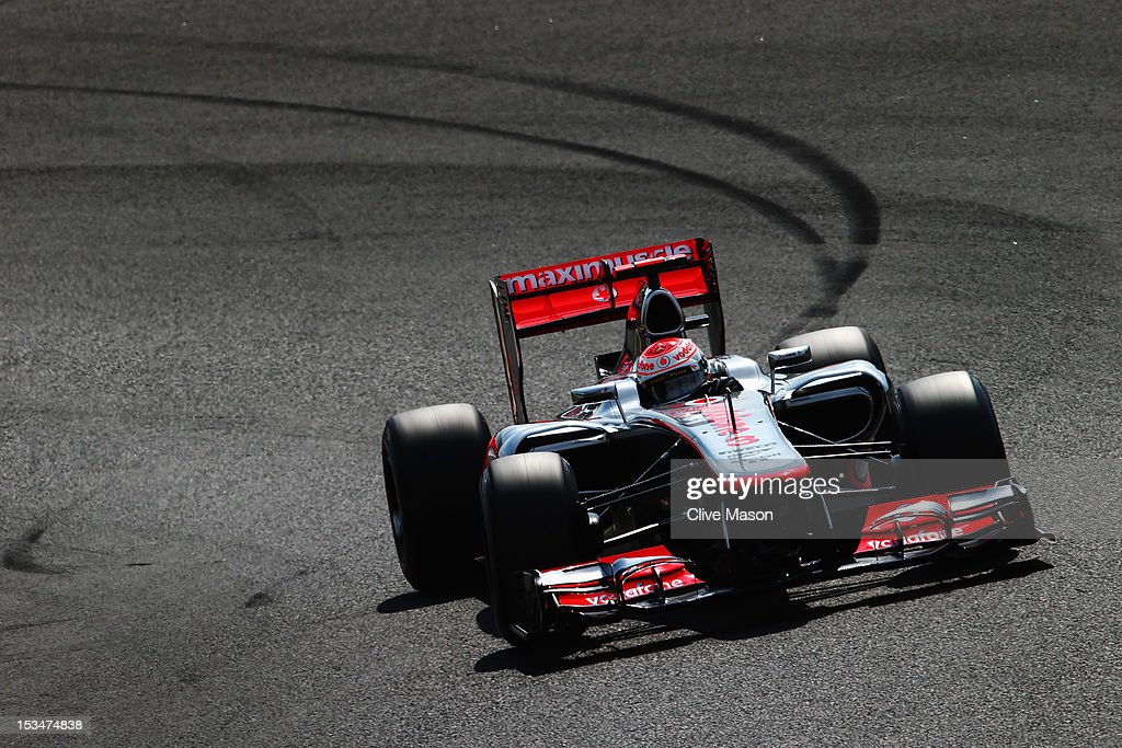 Jenson Button of Great Britain and McLaren drives during final practice prior to qualifying for the Japanese Formula One Grand Prix at the Suzuka Circuit on October 6, 2012 in Suzuka, Japan.