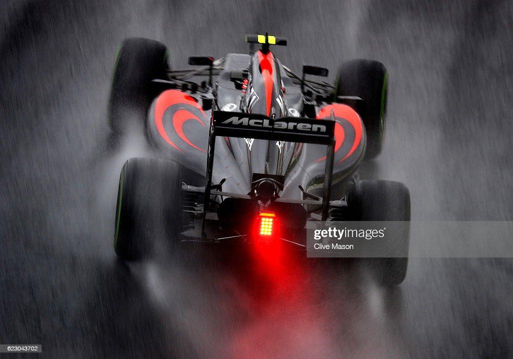 Jenson Button of Great Britain driving the (22) McLaren Honda Formula 1 Team McLaren MP4-31 Honda RA616H Hybrid turbo on track during the Formula One Grand Prix of Brazil at Autodromo Jose Carlos Pace on November 13, 2016 in Sao Paulo, Brazil.