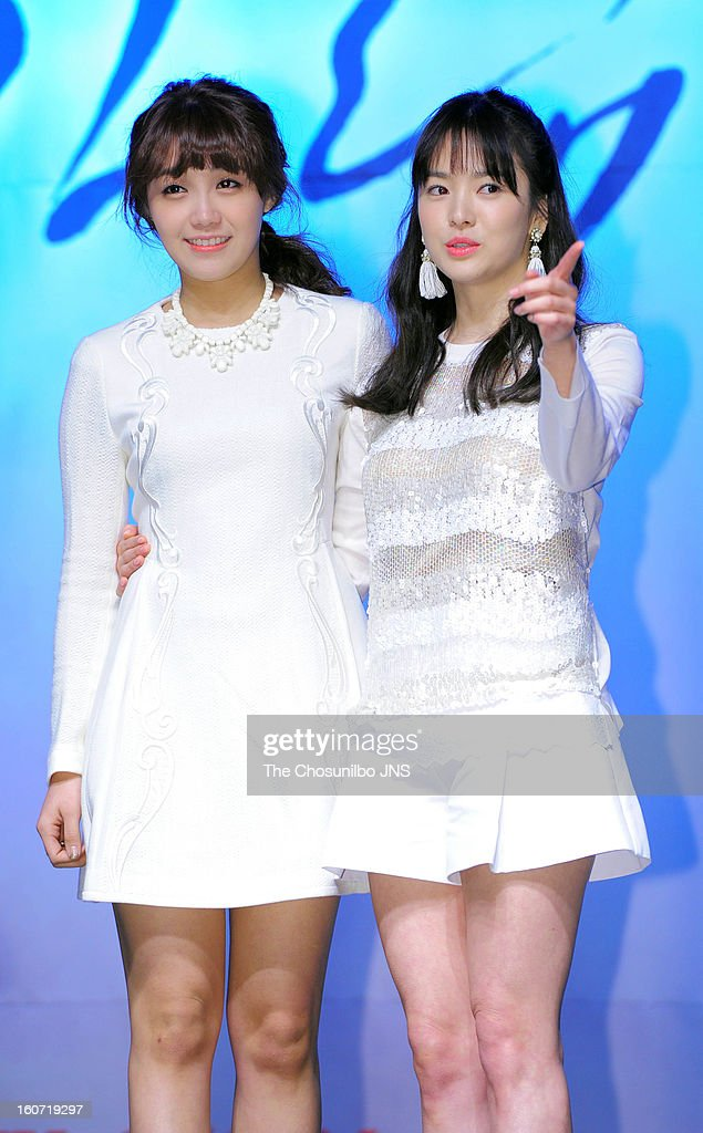 Jeong Eun-Jee and <a gi-track='captionPersonalityLinkClicked' href=/galleries/search?phrase=Song+Hye-Kyo&family=editorial&specificpeople=4238502 ng-click='$event.stopPropagation()'>Song Hye-Kyo</a> attend the SBS Drama 'Wind Blow In Winter' press conference at Blue Square on January 31, 2013 in Seoul, South Korea.