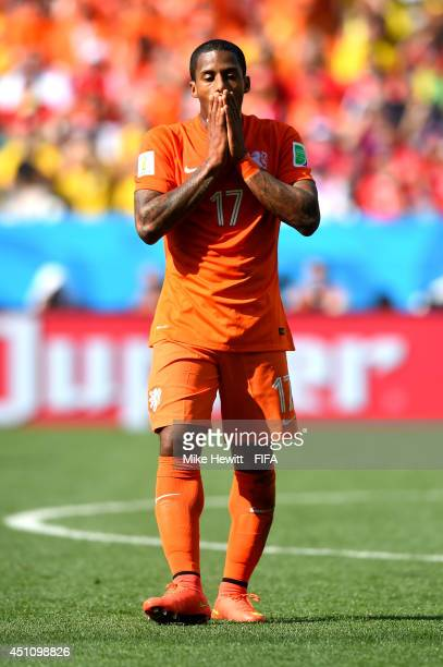 Jeremain Lens of the Netherlands reacts after missing a chance during the 2014 FIFA World Cup Brazil Group B match between Netherlands and Chile at...