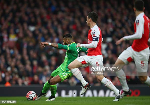 Jeremain Lens Scoring against Arsenal during the Emirates FA Cup Third Round match bewtween Arsenal and Sunderland at Emirates Stadium on January 9...
