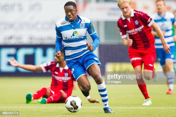 Jeremiah St Juste of sc Heerenveen Queensy Menig of PEC Zwolle Morten Thorsby of sc Heerenveenduring the Dutch Eredivisie match between PEC Zwolle...