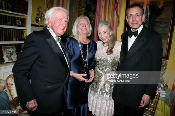 Jeremy Biggs Friederike Biggs Heidi Roberts and Allen Roberts attend Portrait artist ZITA DAVISSON's 'Great Gatsby Party' A Roaring 20's Evening at...