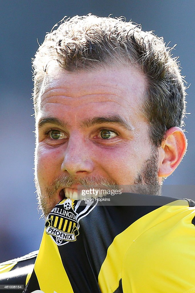 <a gi-track='captionPersonalityLinkClicked' href=/galleries/search?phrase=Jeremy+Brockie&family=editorial&specificpeople=591299 ng-click='$event.stopPropagation()'>Jeremy Brockie</a> of the Phoenix celebrates after scoring a goal during the round 15 A-League match between the Wellington Phoenix and Brisbane Roar at Westpac Stadium on January 4, 2015 in Wellington, New Zealand.