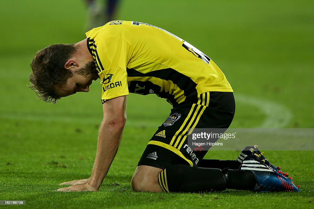 <a gi-track='captionPersonalityLinkClicked' href=/galleries/search?phrase=Jeremy+Brockie&family=editorial&specificpeople=591299 ng-click='$event.stopPropagation()'>Jeremy Brockie</a> of the Phoenix shows his disappointment after a missed shot at goal during the round 26 A-League match between the Wellington Phoenix and the Newcastle Jets at Westpac Stadium on February 27, 2013 in Wellington, New Zealand.