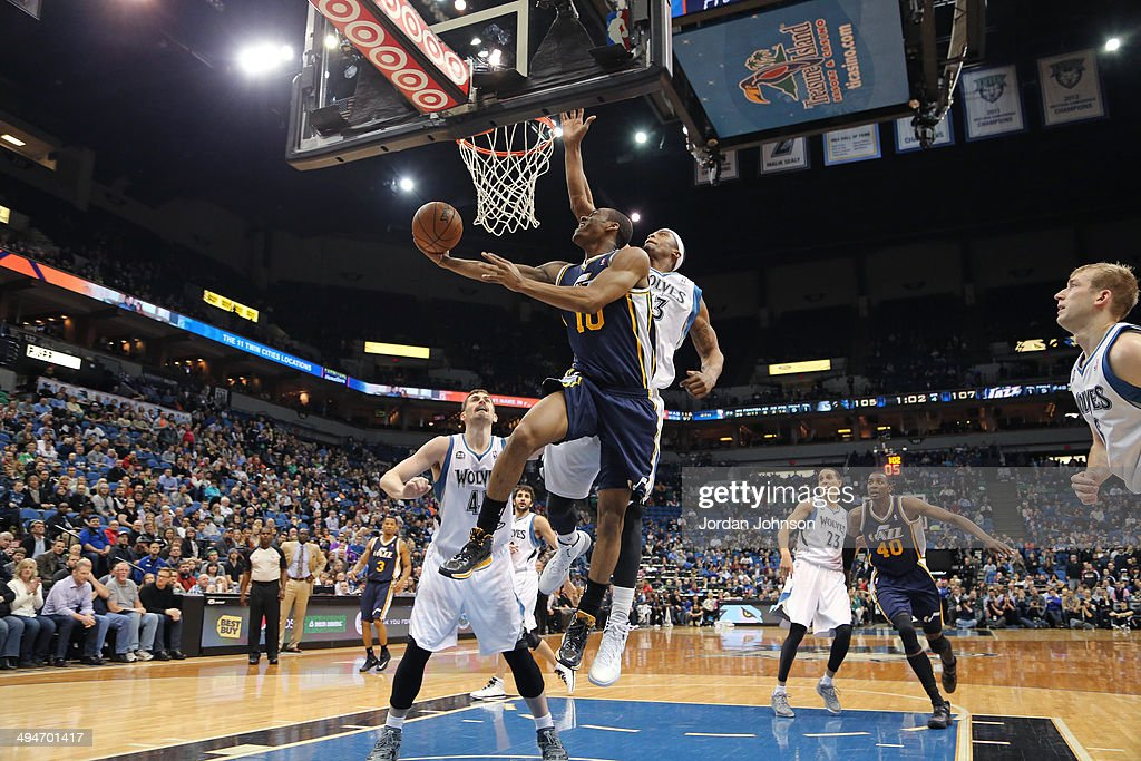 Jeremy Evans #40 of the Utah Jazz drives to the basket against the Minnesota Timberwolves on April 16, 2014 at Target Center in Minneapolis, Minnesota.