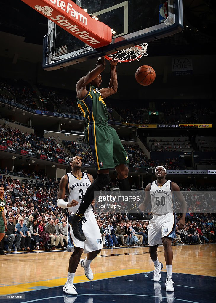 Jeremy Evans #40 of the Utah Jazz dunks against the Memphis Grizzlies on December 23, 2013 at FedExForum in Memphis, Tennessee.