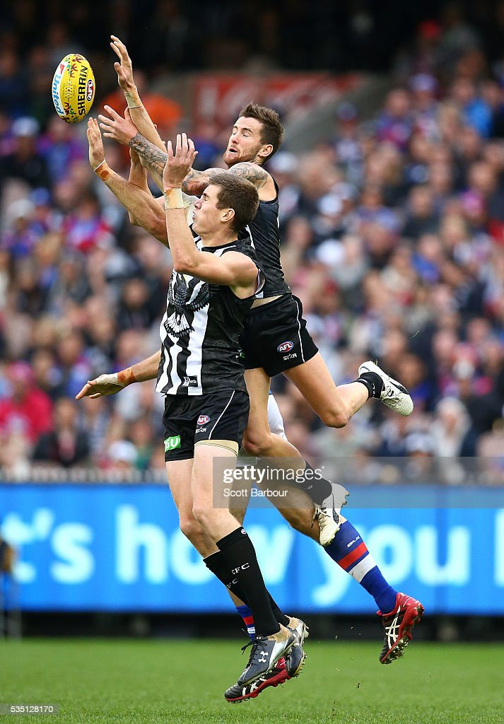 Jeremy Howe of the Magpies attempts to take a mark during the round 10 AFL match between the Collingwood Magpies and the Western Bulldogs at Melbourne Cricket Ground on May 29, 2016 in Melbourne, Australia.