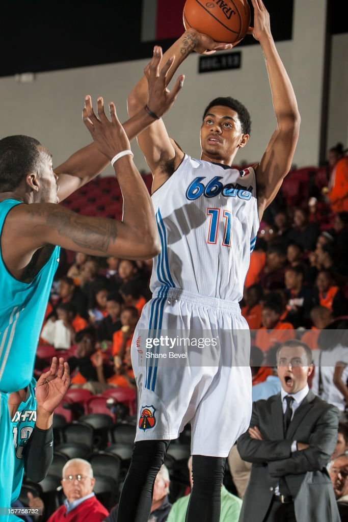 <a gi-track='captionPersonalityLinkClicked' href=/galleries/search?phrase=Jeremy+Lamb&family=editorial&specificpeople=7407506 ng-click='$event.stopPropagation()'>Jeremy Lamb</a> #11 of the Tulsa 66ers shoots against the Sioux Falls Skyforce during the NBA D-League game on December 5, 2012 at the SpiritBank Event Center in Bixby, Oklahoma.