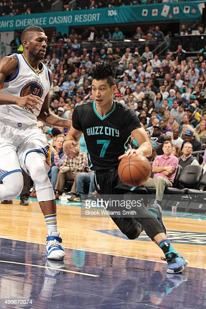 Jeremy Lin of the Charlotte Hornets drives to the basket against the Golden State Warriors during the game on December 2 2015 at Time Warner Cable...