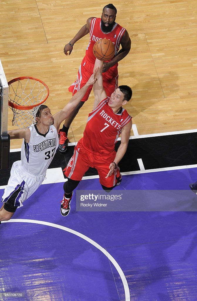 <a gi-track='captionPersonalityLinkClicked' href=/galleries/search?phrase=Jeremy+Lin&family=editorial&specificpeople=6669516 ng-click='$event.stopPropagation()'>Jeremy Lin</a> #7 of the Houston Rockets dunks against <a gi-track='captionPersonalityLinkClicked' href=/galleries/search?phrase=Francisco+Garcia&family=editorial&specificpeople=198958 ng-click='$event.stopPropagation()'>Francisco Garcia</a> #32 of the Sacramento Kings on February 10, 2013 at Sleep Train Arena in Sacramento, California.