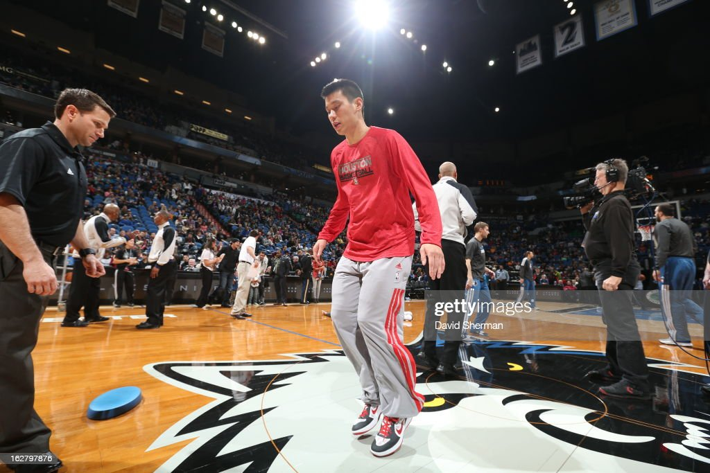 <a gi-track='captionPersonalityLinkClicked' href=/galleries/search?phrase=Jeremy+Lin&family=editorial&specificpeople=6669516 ng-click='$event.stopPropagation()'>Jeremy Lin</a> #7 of the Houston Rockets warms up before the game against the Minnesota Timberwolves on December 26, 2012 at Target Center in Minneapolis, Minnesota.