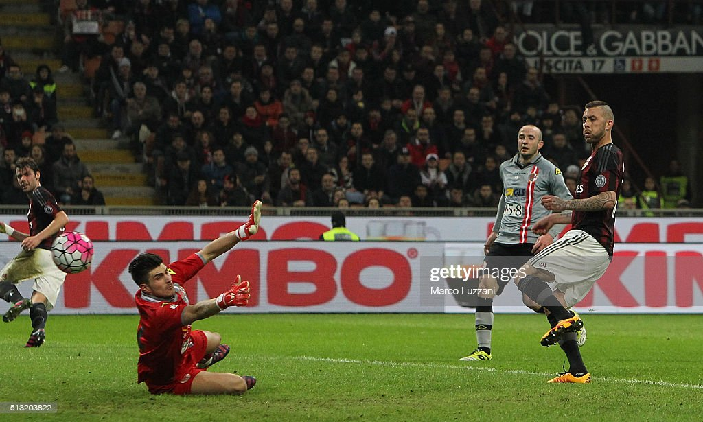 <a gi-track='captionPersonalityLinkClicked' href=/galleries/search?phrase=Jeremy+Menez&family=editorial&specificpeople=648636 ng-click='$event.stopPropagation()'>Jeremy Menez</a> (R) of AC Milan scores his second goal during the TIM Cup match between AC Milan and US Alessandria at Stadio Giuseppe Meazza on March 1, 2016 in Milan, Italy.