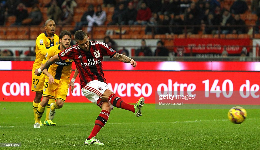 Jeremy Menez of AC Milan scores the opening goal from the penalty spot during the Serie A match between AC Milan and Parma FC at Stadio Giuseppe Meazza on February 1, 2015 in Milan, Italy.