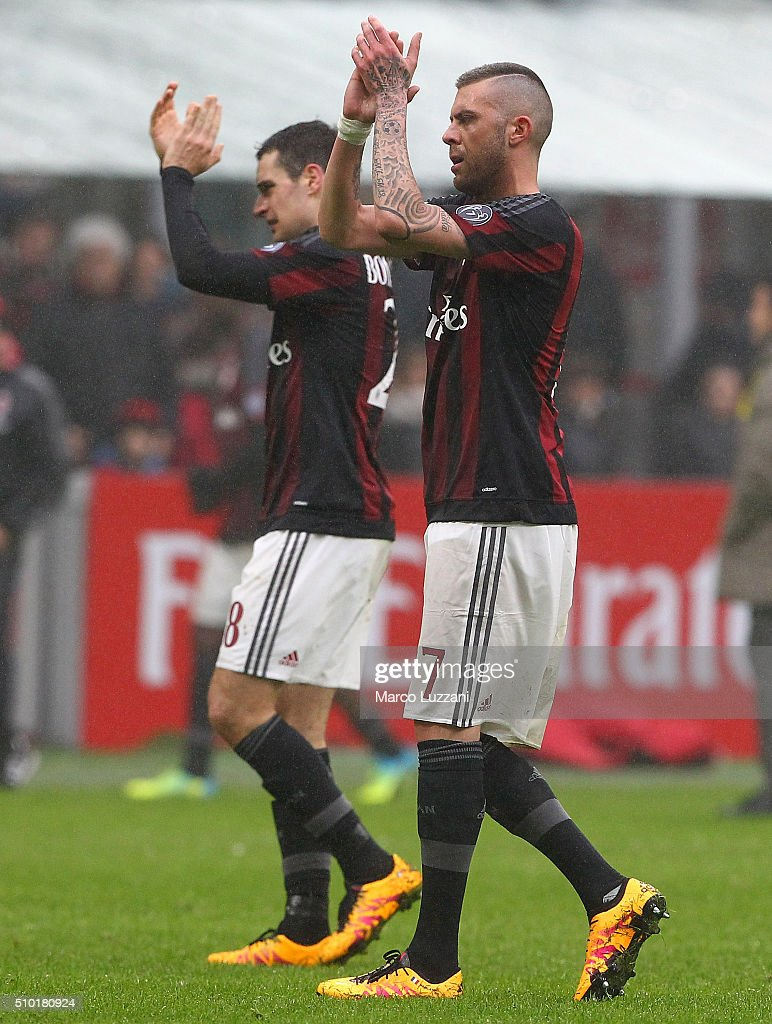 <a gi-track='captionPersonalityLinkClicked' href=/galleries/search?phrase=Jeremy+Menez&family=editorial&specificpeople=648636 ng-click='$event.stopPropagation()'>Jeremy Menez</a> of AC Milan shouts salutes the fans at the end of the Serie A match between AC Milan and Genoa CFC at Stadio Giuseppe Meazza on February 14, 2016 in Milan, Italy.
