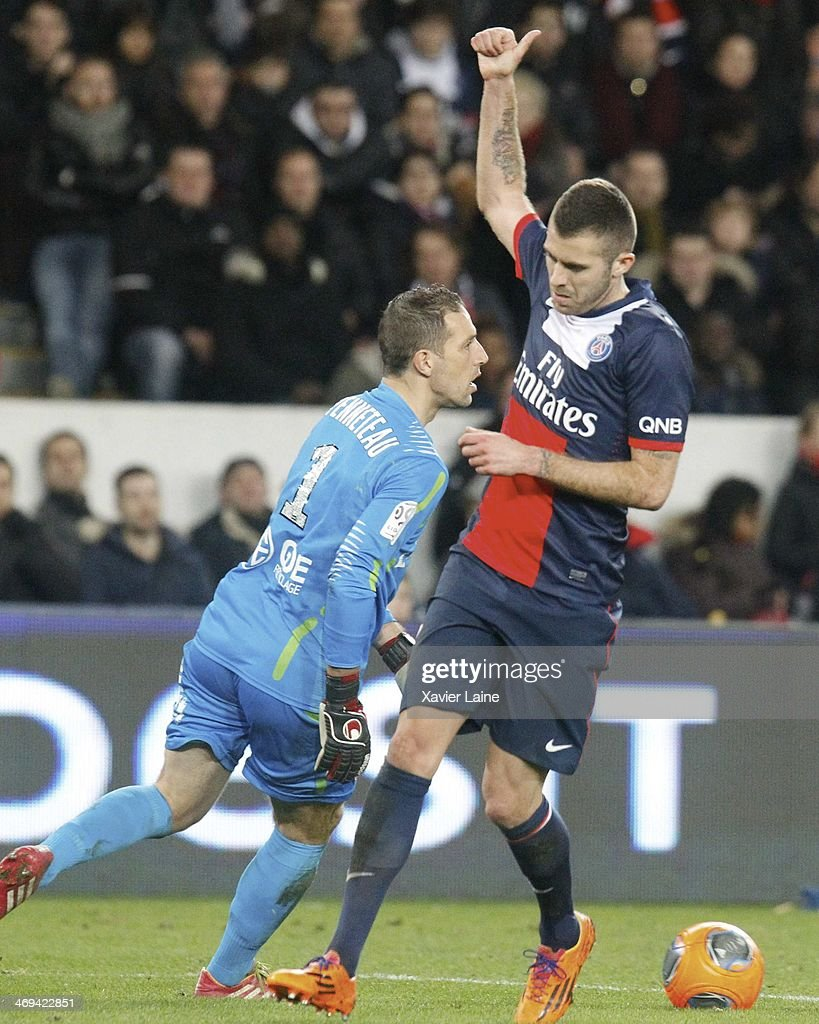 Jeremy Menez (R) of Paris Saint-Germain reacts during the French Ligue 1 between Paris Saint-Germain FC and Valenciennes VAFC at Parc Des Princes on February 14, 2014 in Paris, France.