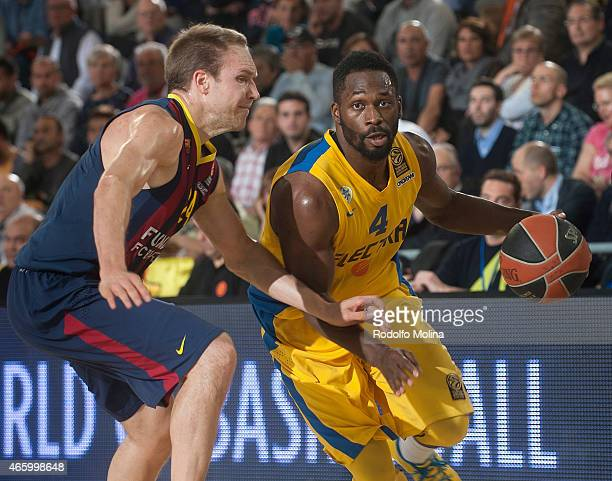 Jeremy Pargo #4 of Maccabi Electra Tel Aviv in action during the Turkish Airlines Euroleague Basketball Top 16 Date 10 game between FC Barcelona v...