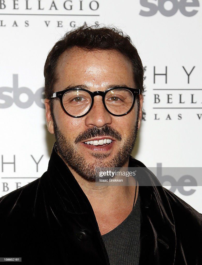 Jeremy Piven arrives at Hyde Bellagio at the Bellagio on New Year's Eve December 31, 2012 in Las Vegas, Nevada.