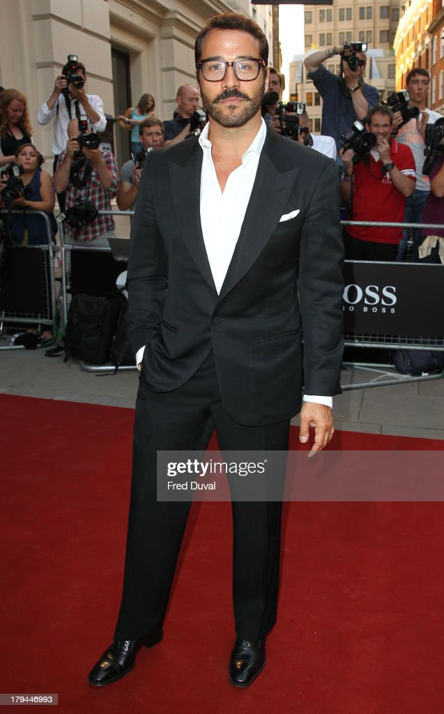 <a gi-track='captionPersonalityLinkClicked' href=/galleries/search?phrase=Jeremy+Piven&family=editorial&specificpeople=206338 ng-click='$event.stopPropagation()'>Jeremy Piven</a> attends the GQ Men of the Year awards at The Royal Opera House on September 3, 2013 in London, England.