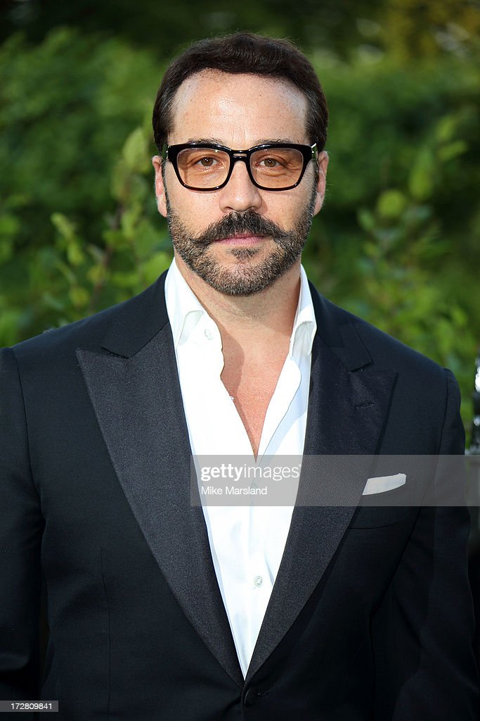 <a gi-track='captionPersonalityLinkClicked' href=/galleries/search?phrase=Jeremy+Piven&family=editorial&specificpeople=206338 ng-click='$event.stopPropagation()'>Jeremy Piven</a> attends the launch party for the Fashion Rules exhibition, a collection of dresses worn by HRH Queen Elizabeth II, Princess Margaret and Diana, Princess of Wales at Kensington Palace on July 4, 2013 in London, England.
