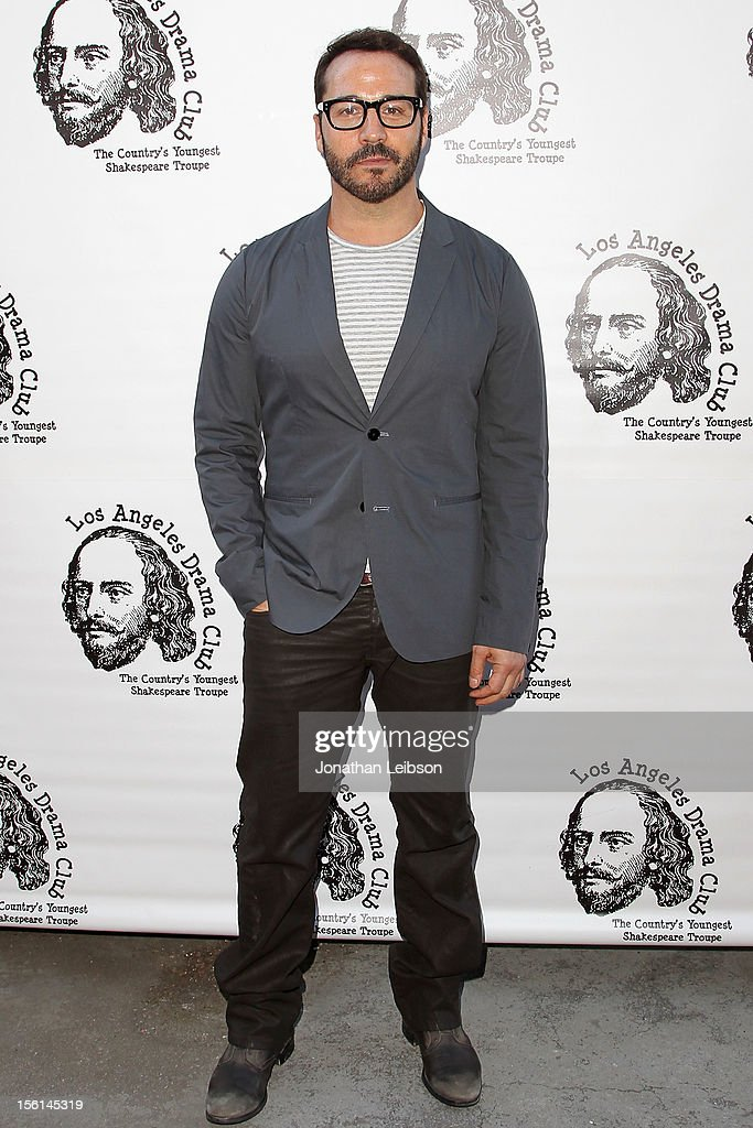 Jeremy Piven attends The Los Angeles Drama Club And Magic Castle Host 1st Gala Fundraiser And Benefit Performance 'Tempest In A Teacup' at The Magic Castle on November 11, 2012 in Hollywood, California.