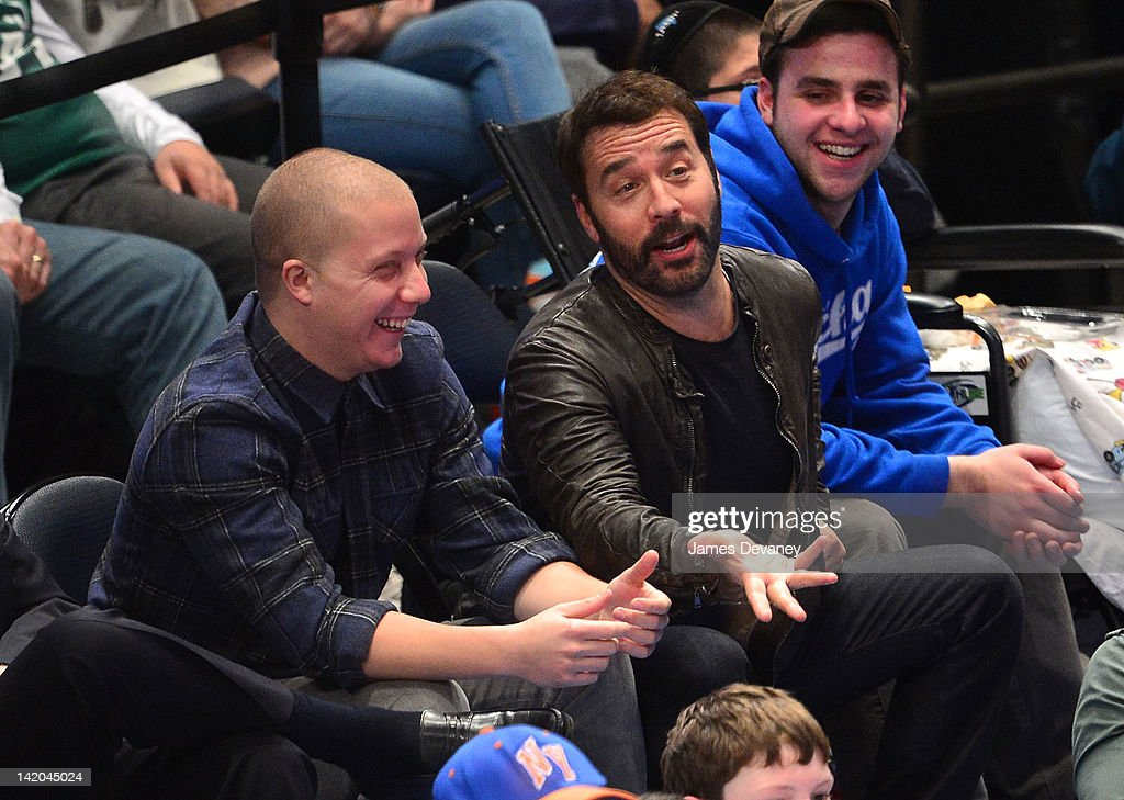 <a gi-track='captionPersonalityLinkClicked' href=/galleries/search?phrase=Jeremy+Piven&family=editorial&specificpeople=206338 ng-click='$event.stopPropagation()'>Jeremy Piven</a> attends the Orlando Magic vs New York Knicks game at Madison Square Garden on March 28, 2012 in New York City.