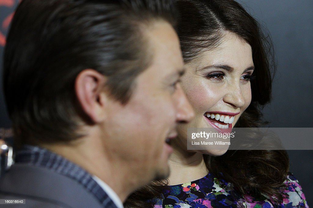 <a gi-track='captionPersonalityLinkClicked' href=/galleries/search?phrase=Jeremy+Renner&family=editorial&specificpeople=708701 ng-click='$event.stopPropagation()'>Jeremy Renner</a> and <a gi-track='captionPersonalityLinkClicked' href=/galleries/search?phrase=Gemma+Arterton&family=editorial&specificpeople=4296305 ng-click='$event.stopPropagation()'>Gemma Arterton</a> arrive at the Australian Premiere of 'Hansel & Gretel Witch Hunters' at Event Cinemas on January 29, 2013 in Sydney, Australia.