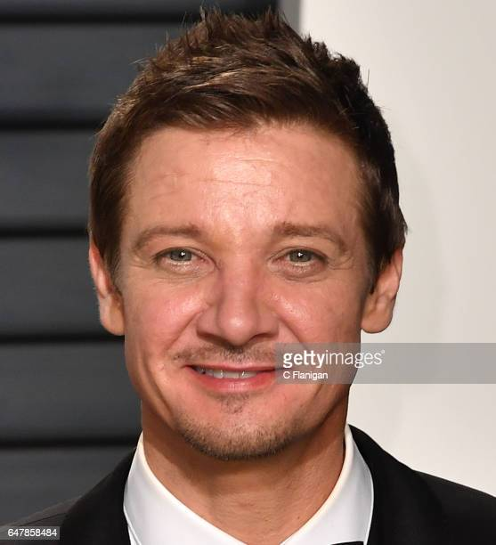 Jeremy Renner attends the 2017 Vanity Fair Oscar Party hosted by Graydon Carter at the Wallis Annenberg Center for the Performing Arts on February 26...