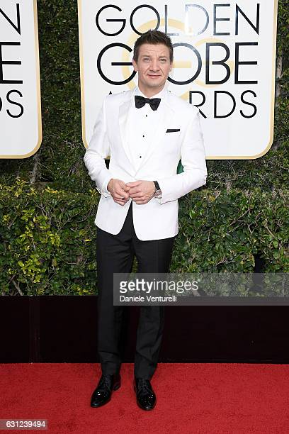 Jeremy Renner attends the 74th Annual Golden Globe Awards at The Beverly Hilton Hotel on January 8 2017 in Beverly Hills California