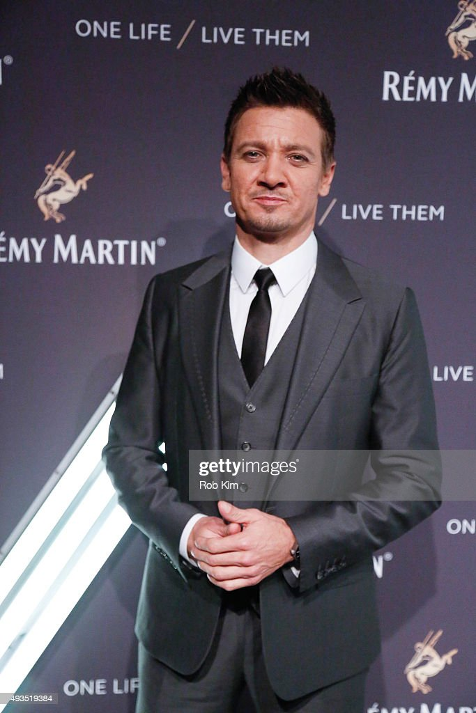 <a gi-track='captionPersonalityLinkClicked' href=/galleries/search?phrase=Jeremy+Renner&family=editorial&specificpeople=708701 ng-click='$event.stopPropagation()'>Jeremy Renner</a> attends the One Life/Live Them Campaign Launch at ArtBeam on October 20, 2015 in New York City.