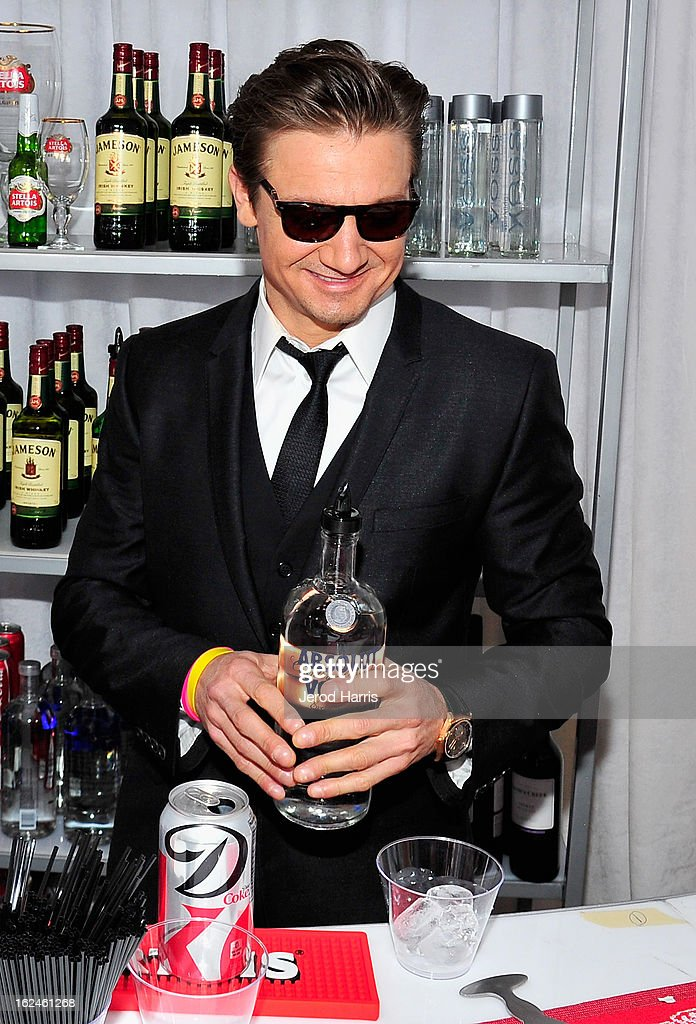 <a gi-track='captionPersonalityLinkClicked' href=/galleries/search?phrase=Jeremy+Renner&family=editorial&specificpeople=708701 ng-click='$event.stopPropagation()'>Jeremy Renner</a> poses in the Kindle Fire HD and IMDb Green Room during the 2013 Film Independent Spirit Awards at Santa Monica Beach on February 23, 2013 in Santa Monica, California.