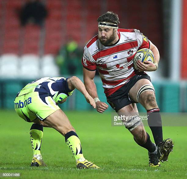 Jeremy Thrush of Gloucester charges upfield during the Aviva Premiership match between Gloucester and Sale Sharks at Kingsholm on December 4 2015 in...