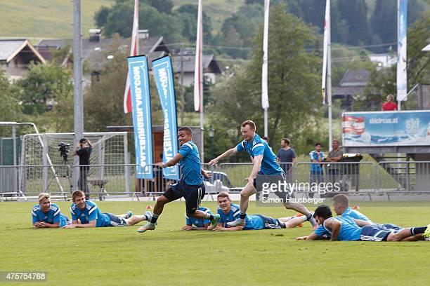 Jeremy Toljan Maximilian Arnold and teammates of the U21 German national team practice during a training session on June 3 2015 in Leogang Austria