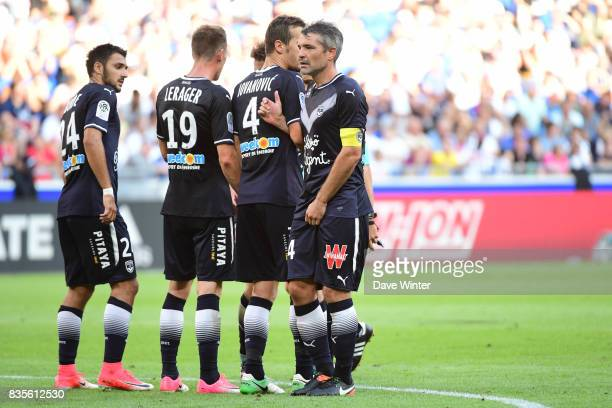 Jeremy Toulalan of Bordeaux organises the defensive wall during the Ligue 1 match between Olympique Lyonnais and FC Girondins de Bordeaux at Groupama...