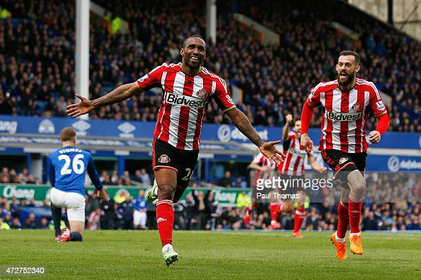 Jermain Defoe of Sunderland celebrates scoring his team's second goal with Steven Fletcher during the Barclays Premier League match between Everton...