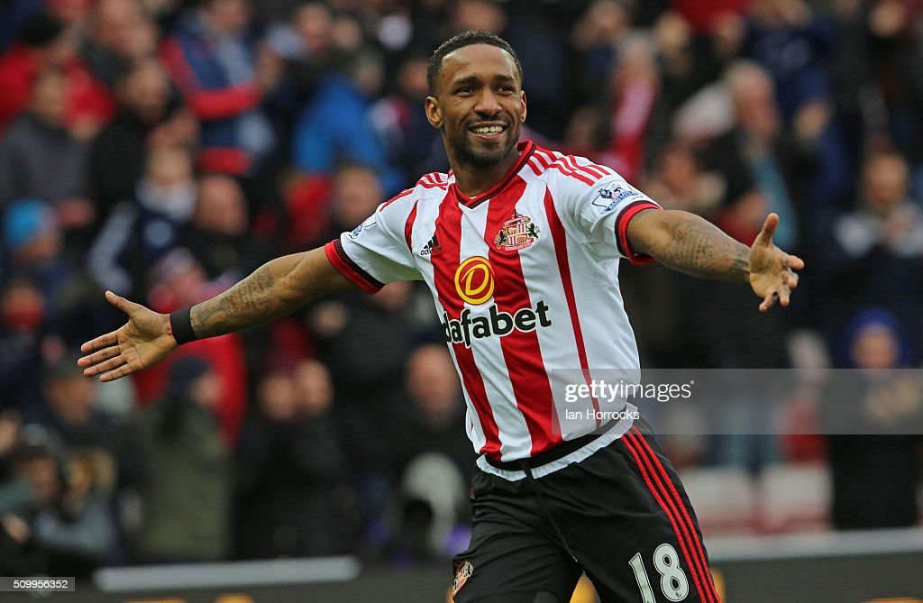 Jermain Defoe of Sunderland celebrates the first goal during the Barclays Premier match between Sunderland and Manchester United at the Stadium of...