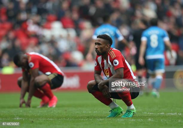 Jermain Defoe of Sunderland looks dejcected during the Premier League match between Sunderland and AFC Bournemouth at the Stadium of Light on April...
