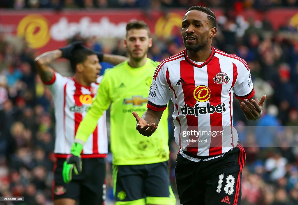 <a gi-track='captionPersonalityLinkClicked' href=/galleries/search?phrase=Jermain+Defoe&family=editorial&specificpeople=171106 ng-click='$event.stopPropagation()'>Jermain Defoe</a> of Sunderland reacts after missing a chance during the Barclays Premier League match between Sunderland and Manchester United at the Stadium of Light on February 13, 2016 in Sunderland, England.