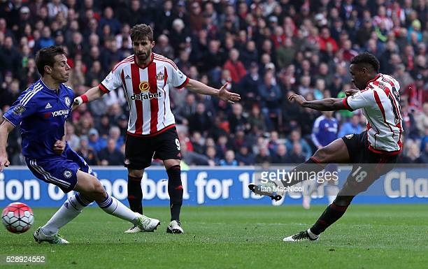 Jermain Defoe of Sunderland scores his team's third goal during the Barclays Premier League match between Sunderland and Chelsea at the Stadium of...
