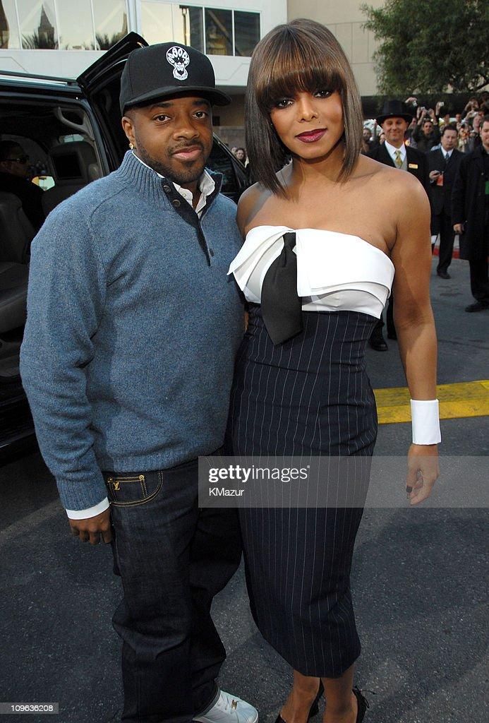 2006 Billboard Music Awards - Red Carpet