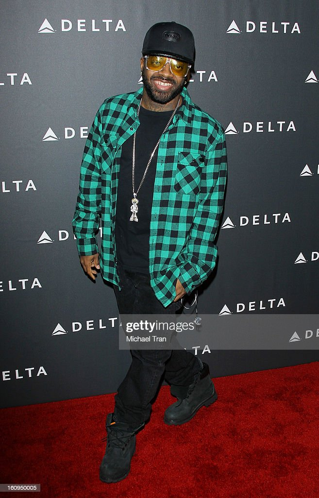 <a gi-track='captionPersonalityLinkClicked' href=/galleries/search?phrase=Jermaine+Dupri&family=editorial&specificpeople=201712 ng-click='$event.stopPropagation()'>Jermaine Dupri</a> arrives at Delta Air Lines celebrates the GRAMMY Awards held at The Getty House on February 7, 2013 in Los Angeles, California.