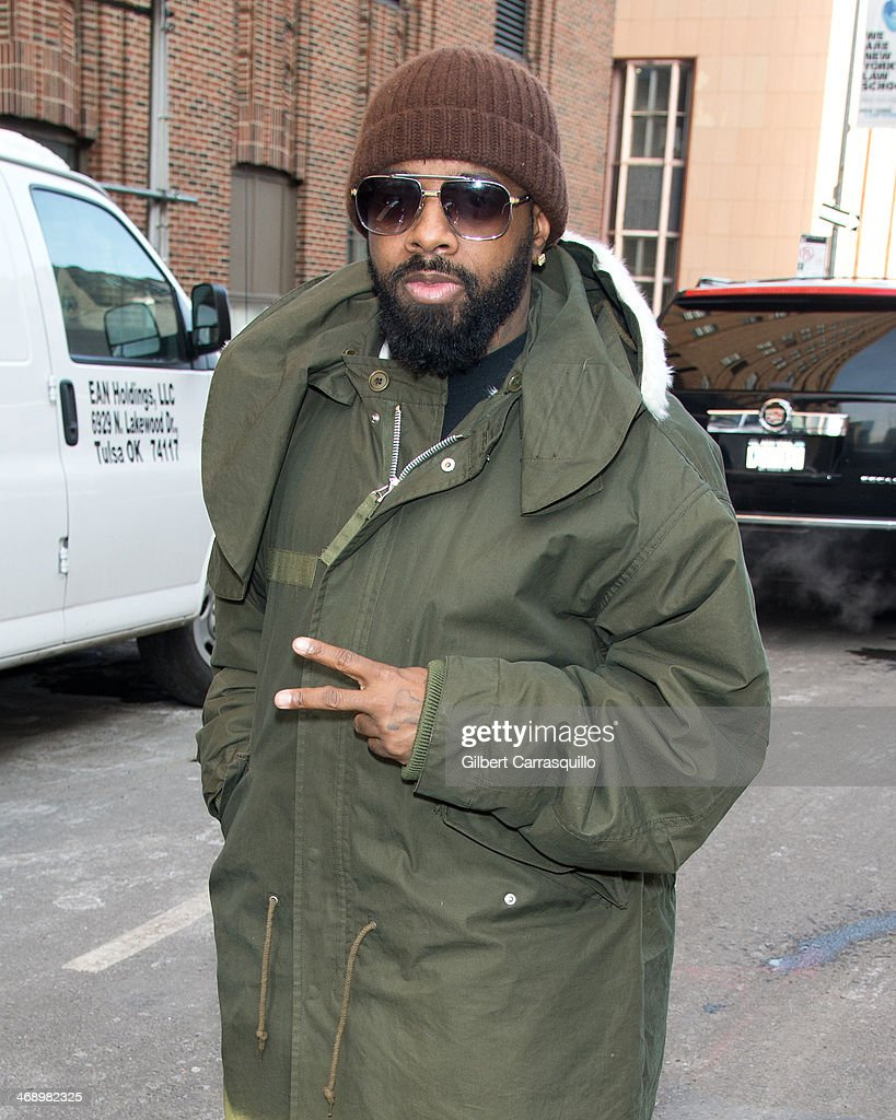 <a gi-track='captionPersonalityLinkClicked' href=/galleries/search?phrase=Jermaine+Dupri&family=editorial&specificpeople=201712 ng-click='$event.stopPropagation()'>Jermaine Dupri</a> is seen leaving 'The Elvis Duran Z100 Morning Show' at Z100 Studio on February 12, 2014 in New York City.